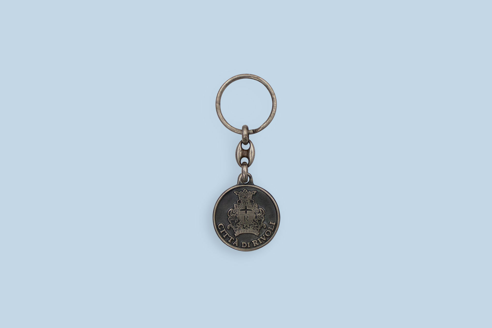Antiqued argent plated enamel Keychain
